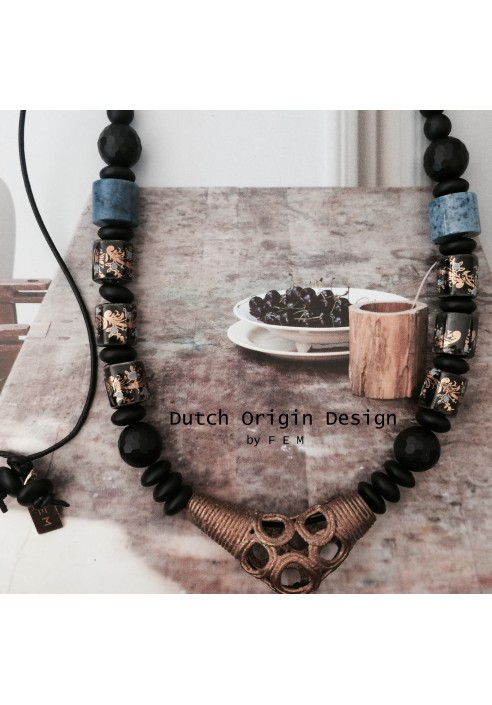 Necklace: Japanese Blue €89,-
