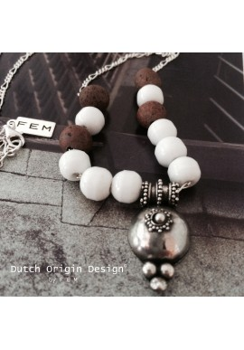 Necklace: Charms & Terra €119,-