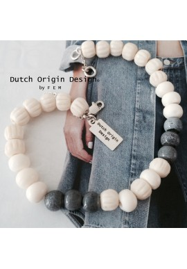 Bracelet: Bleu Cloud €39,-