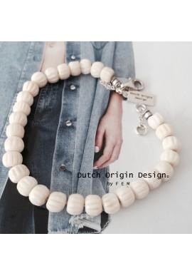 Bracelet: Creamy Cloud €39,-
