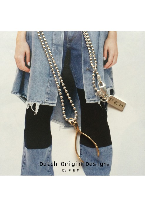 Necklace: WishUJoy €119,-